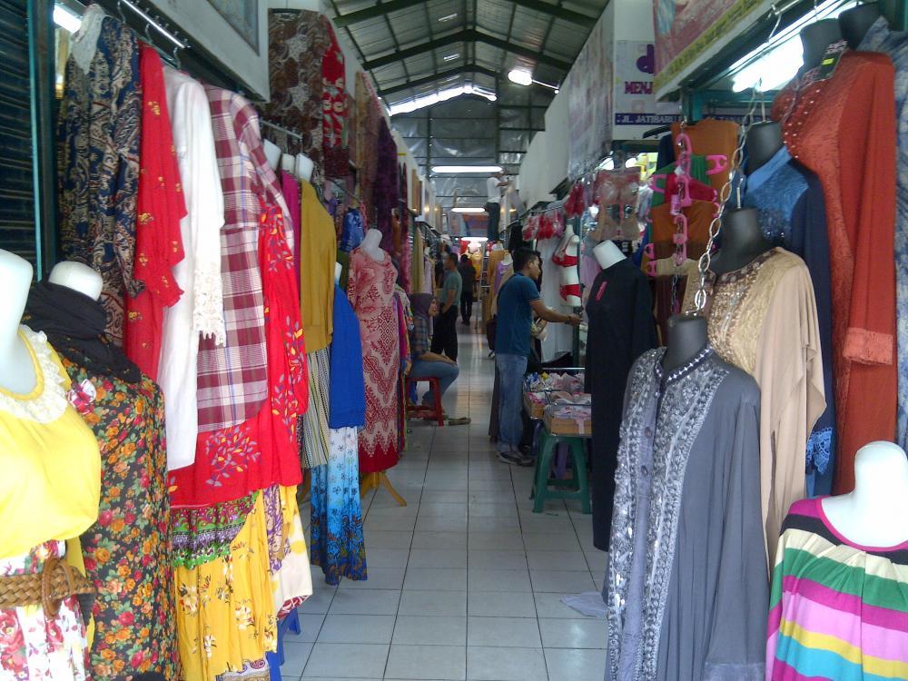 Pasar Grosir Surabaya Souvenir